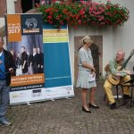 Musikalischer Gast der Vernissage Carlo Hilsdorf mit Gitarrenmusik aus der Romantik